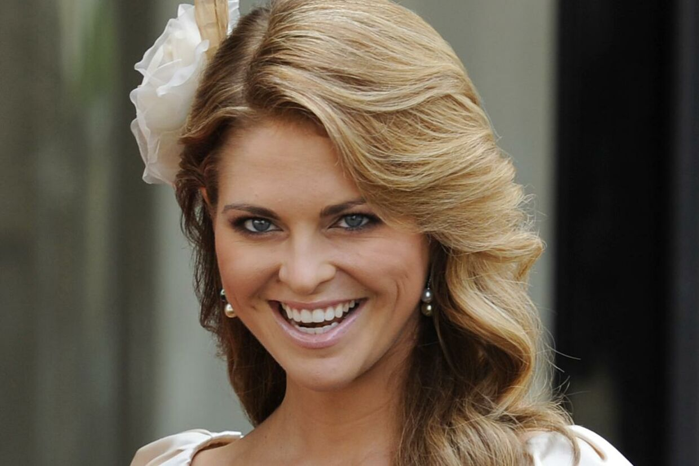 Prinsesse Madeleine må hellere passe på, at hendes kommende svigermor ikke løber med alt rampelyset ved brylluppet næste år.