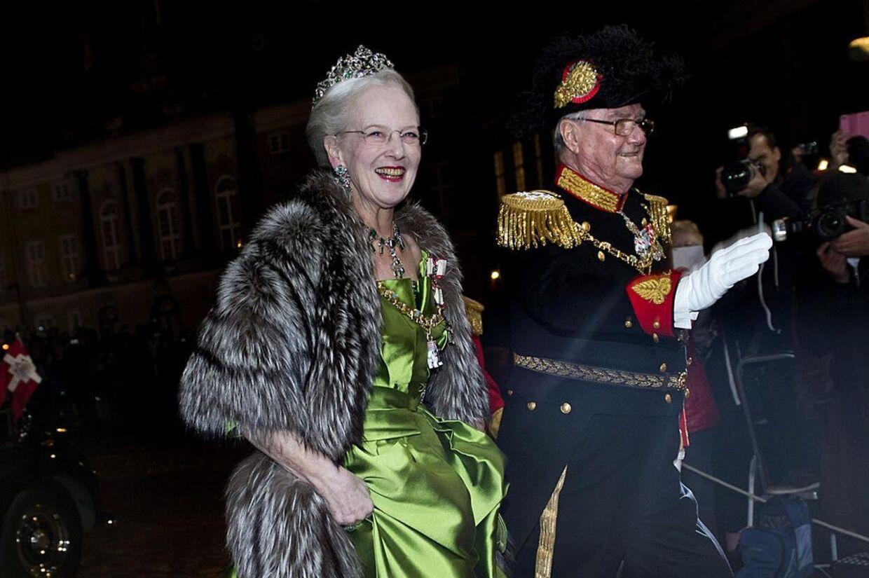 Dronning Margrethe og Prins Henrik har aflagt regnskab, og de har blandt andet brugte betydeligt flere penge på telefoner og porto end året før (Foto: Keld Navntoft/Scanpix 2014)
