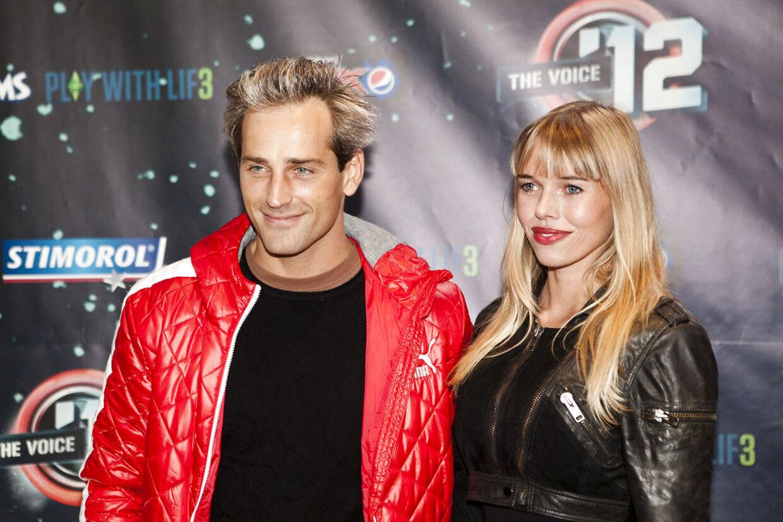 Kendte ankommer til The Voice prisshow på Plænen i Tivoli mandag 24. september 2012. Voice 12. Rød løber fra Tivoli. Oliver Bjerrehuus med familie