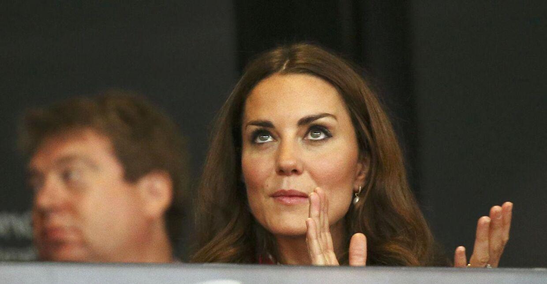 Kate, Hertuginden af Cambridge, gennemgår en yderst hård tid på hospitalet i disse dage, hvis man skal tro de indlæg om sygdommen, som flere danske kvinder har lavet på min-mave.dk. (BRITAIN - Tags: SPORT ATHLETICS OLYMPICS ROYALS)