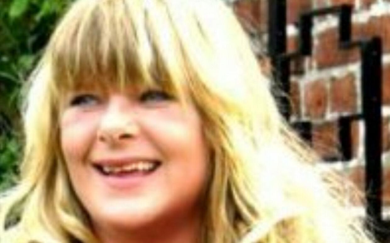 40-årige Tine Rømer Holtegaard blev angiveligt stukket ihjel af sin egen datter.