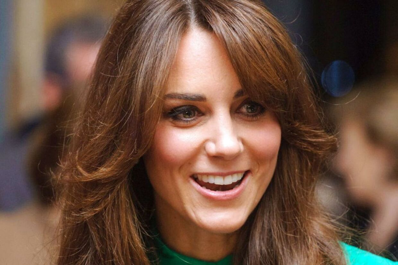 Kate viser gennemsnitligt 8.6 tænder, når hun smiler.