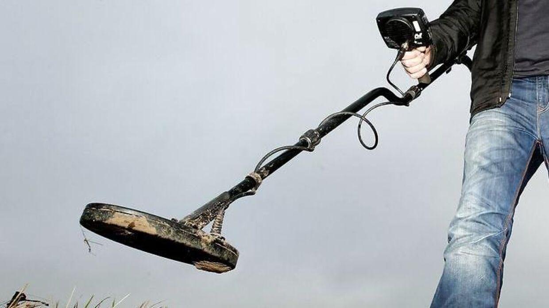 Thomas Stig Jensen har fundet tre udetonerede tyske miner ved Horsens med en metaldetekrtor.