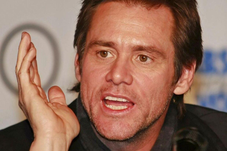 Jim Carrey er en af de Hollywood-stjerner der revser den amerikanske våbenlov efter skoleskyderiet på Sandy Hookskolen i Newtown.