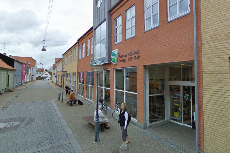 Super Best i Gåskærgade i Haderslev blev torsdag aften udsat for et groft røveri.