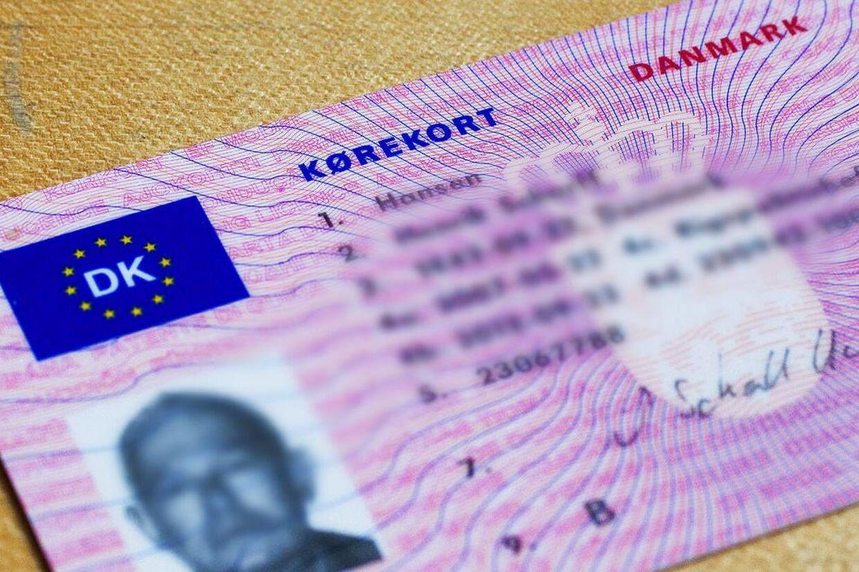 For fremtiden bliver kørekortet i kreditkortformat med en gyldighed på 15 år for kort til personbiler.