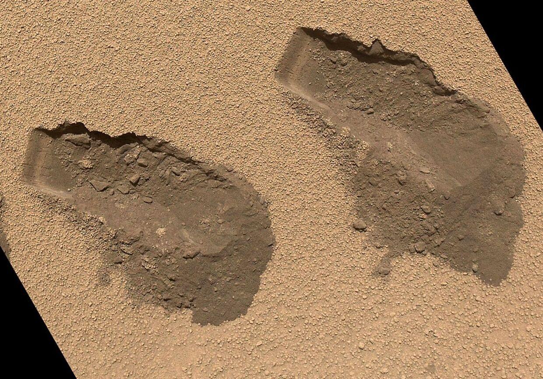 Fartøjet Curiosity efterlod et par huller i Mars under en prøvetagning. Prøverne er blevet analyseret, og resultatet er yderst spændende.
