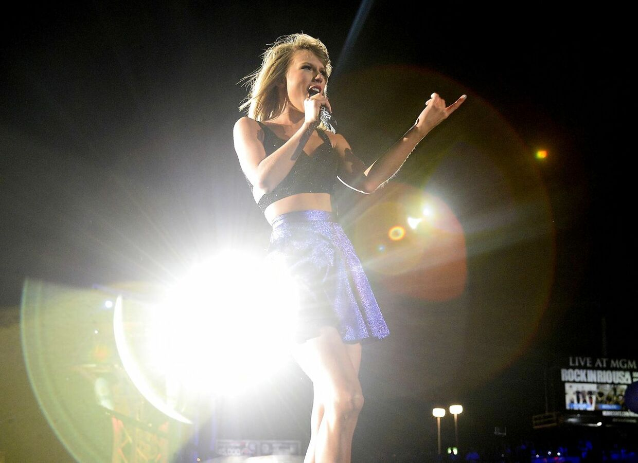 Taylor Swift performs The 1989 World Tour show onstage at the Rock in Rio USA music festival, May 15, 2015, at the MGM Resorts Festival Grounds in Las Vegas, Nevada. AFP PHOTO / ROBYN BECK