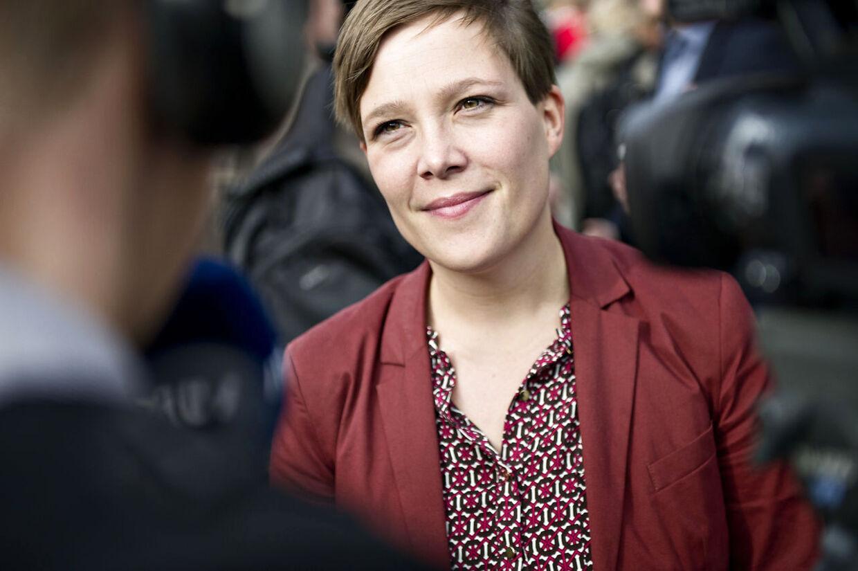 Astrid Kragh forlader det kriseramte SF og skifter til Socialdemokraterne.
