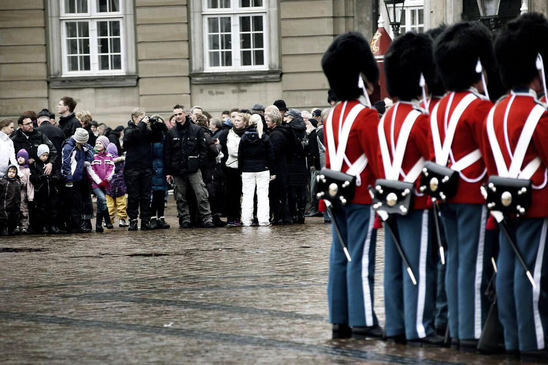 Vagtskifte på Amalienborg 1. januar 2012.