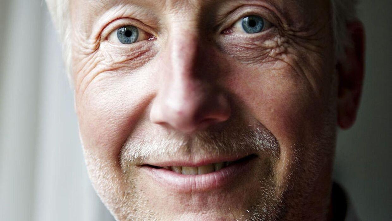 Arne Astrup er rasende over, at han nu skal betale over 16.000 kroner mere om året for sit boliglån. Han kalder Totalkredits prisstigninger for 'legaliseret tyveri.' (Arkivfoto)