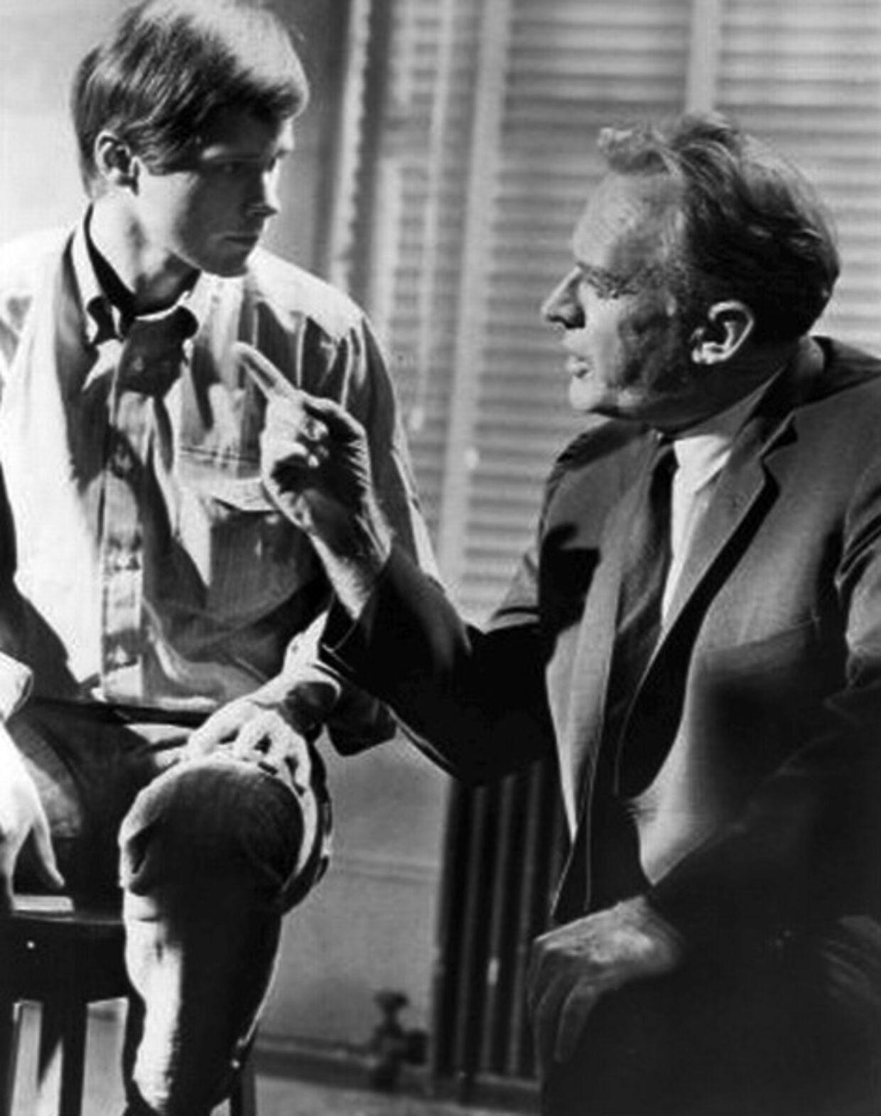 Arthur Kennedy (th) sammen med Brandon deWilde her på et billede fra et tv-program. Han blev i alt nomineret fem gange til en Oscar uden at vinde.