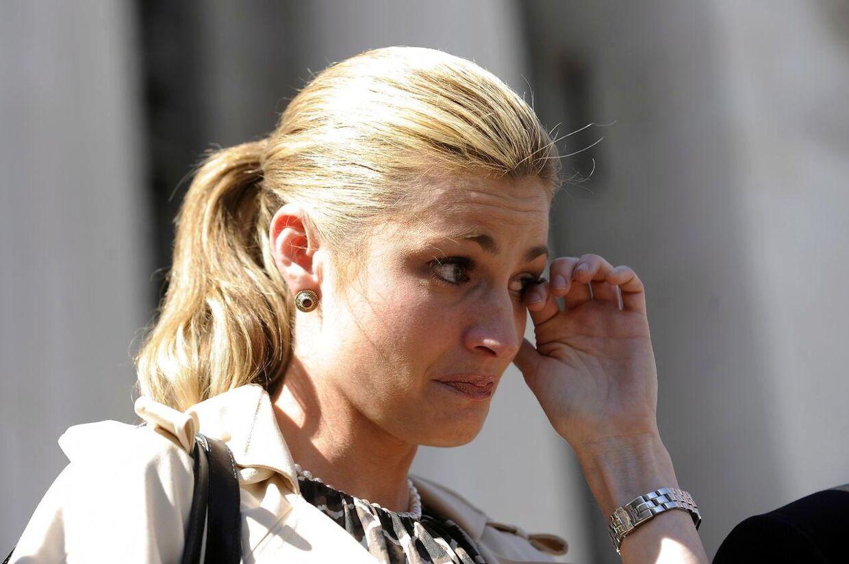 Erin Andrews foran retten i Los Angeles, Californien, efter manden, der optog hende nøgen uden hendes samtykke, Michael David Barrett, blev idømt to år og seks måneders fængsel den 15. marts 2010. Nu er hun i endnu en retssag, hvor hun forlanger en kæmpe erstatning fra hotellet, hvorpå hun og Michael David Barrett boede, da videoen af hende blev optaget.
