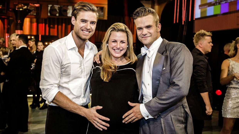 Johannes Nymark, Louise Mahnkopf og Silas Holst fotograferet til 'Vild med dans' i 2014. Her er hun gravid med datteren Maggie My.