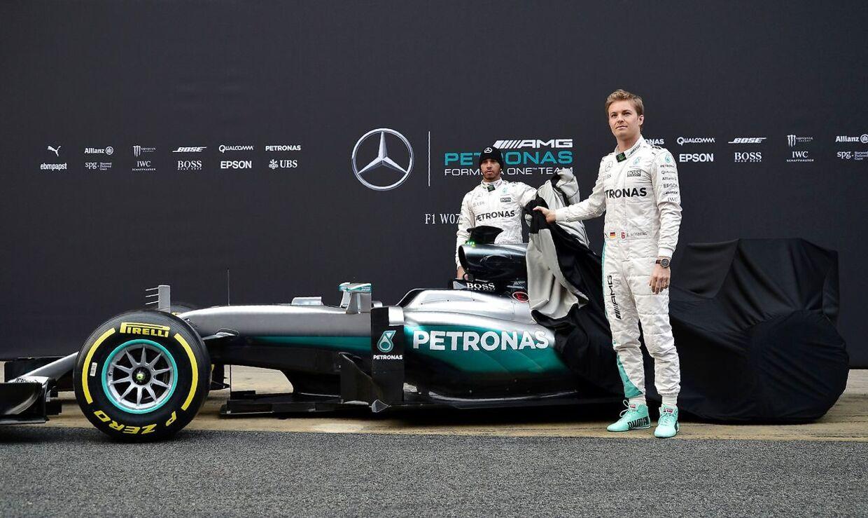 Mercedes-raceren og de to kørere, Lewis Hamilton og Nico Rosberg.
