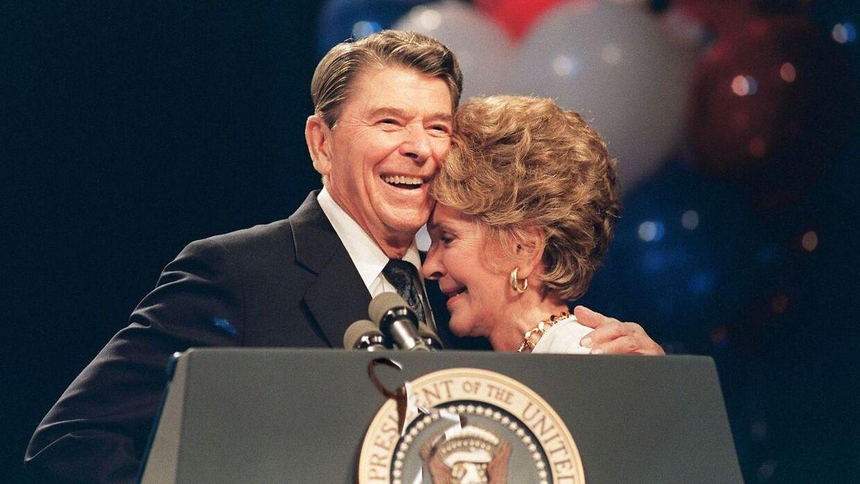 Nancy Reagan var gift med den tidligere præsident, Ronald Reagan. Nu er hun død i en alder af 94 år.