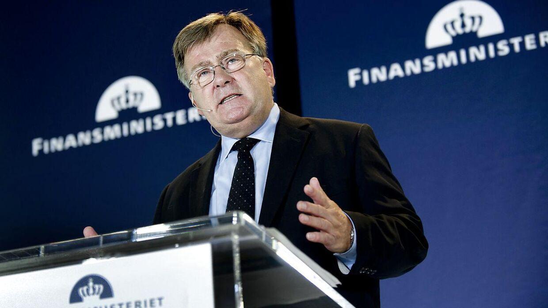 Arkivfoto: Claus Hjorth fremlægger Finanslovsforslaget 2012 på et pressemøde onsdag den 24. august