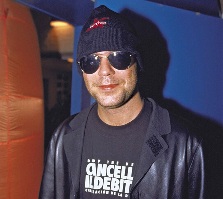 Søren Rasted havde camoufleret sig, da han i efteråret 2000 dukkede op til sin daværende kæreste, Karina Jensens, releaseparty med Cartoons. Få måneder efter giftede han sig med Lene Nystrøm.