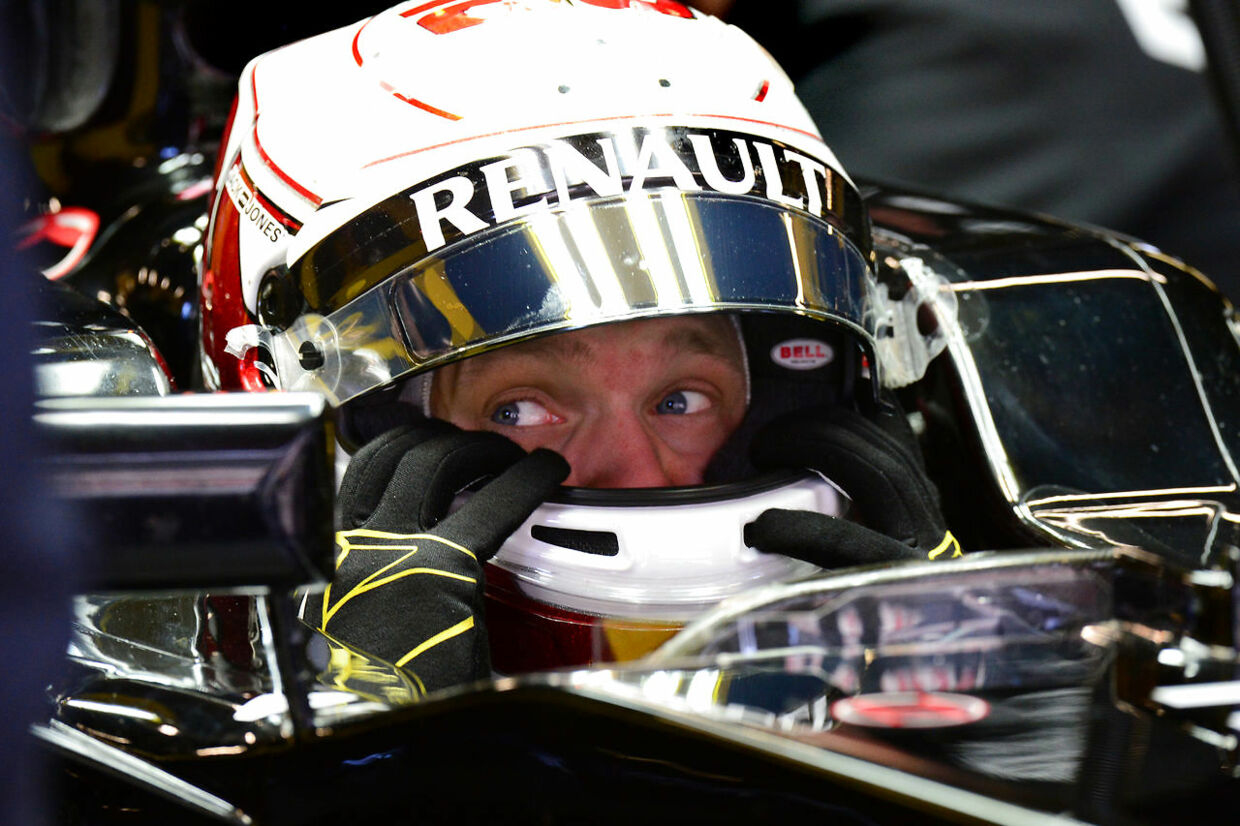 Kevin Magnussen (Renault) in the pits with his helmet on during testing at the Circuit de Cataunya in February 2016. Photo: Grand Prix Photo