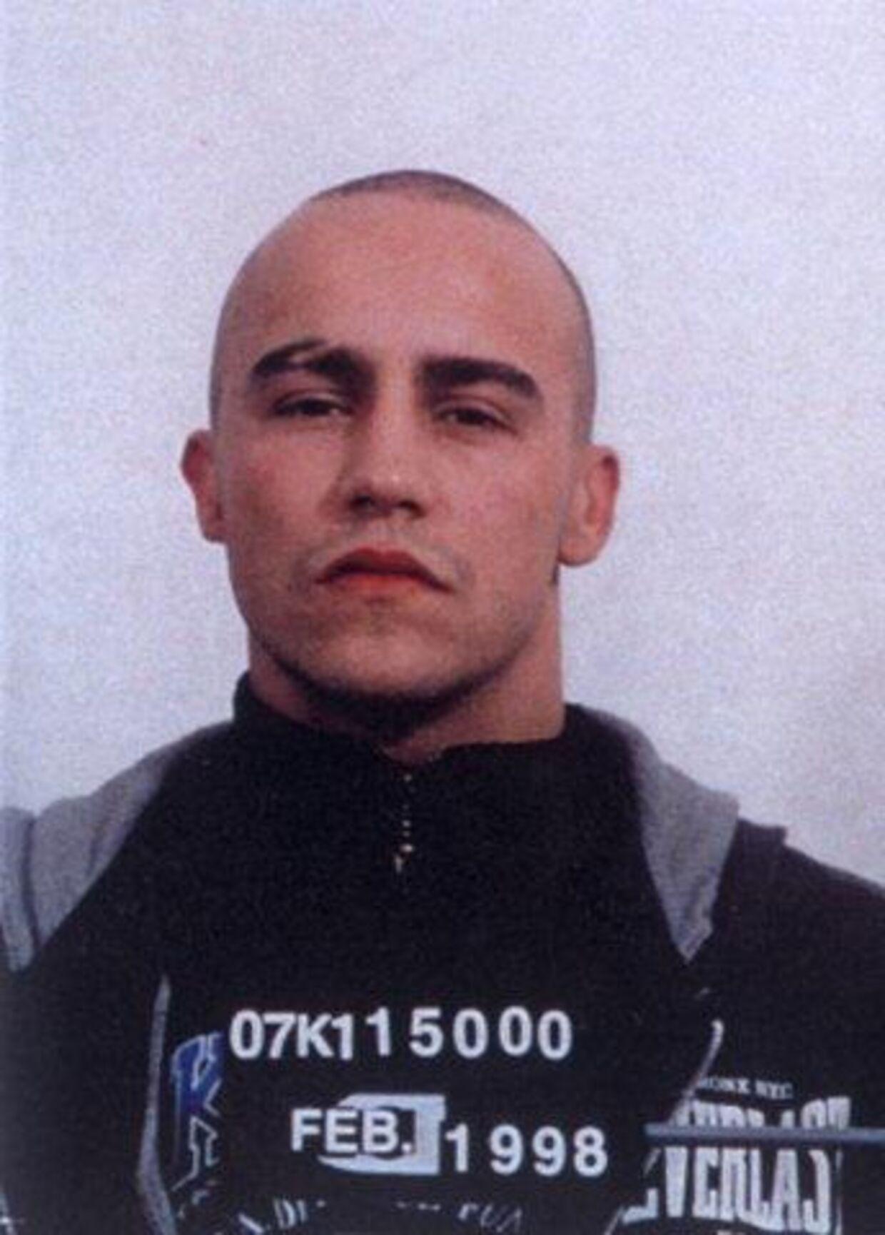 Han tævede Peter Lundin: Daniel Blikfeld Casanas Dorta, 25, fik i går et halvt års fængsel for overfaldet på den tre-dobbelt mord-sigtede. Foto: Politiet.<br><br><p>