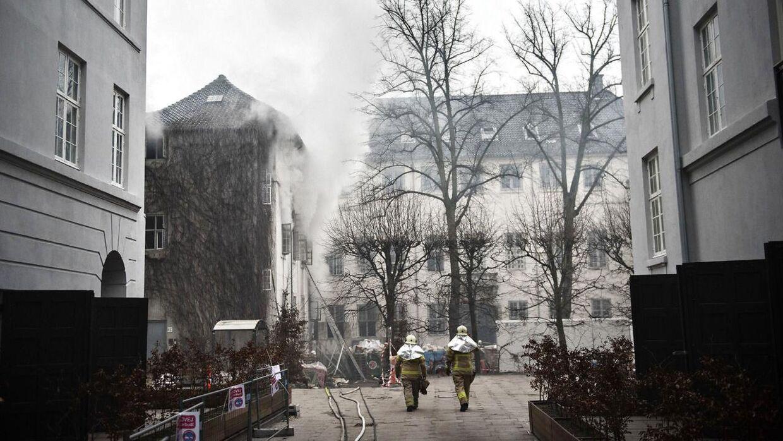 Brand i Holsteins Palæ på Stormgade fotograferet mandag den 14. marts 2016.