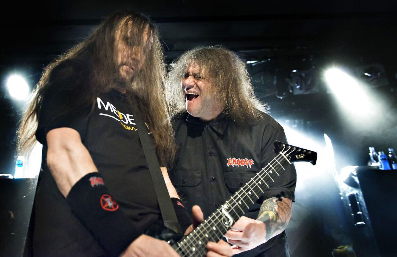 """Det amerikanske thrash metal-band Exodus med forsanger Steve """"Zetro"""" Souza i front på scenen i Lille Vega 15. marts 2016"""