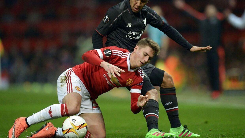 Mens United og Liverpool slås om en plads i Europa League-kvartfinalen sidder en masse frustrerede Yousee-kunder i Danmark og ærgrer sig over ikke at kunne se kampen.