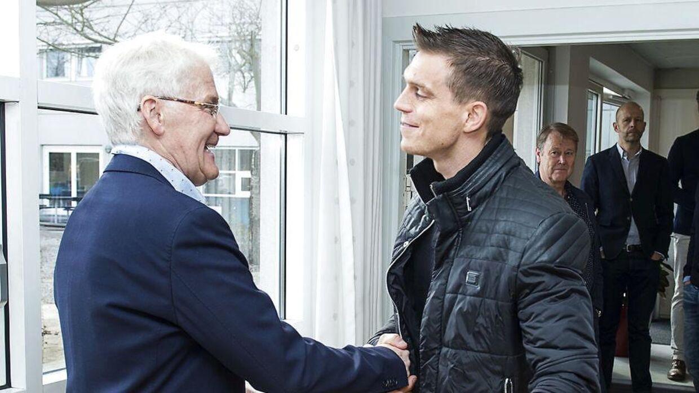 Morten Olsen med landsholdsanfører Daniel Agger.