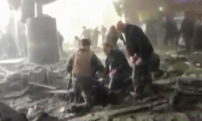 Foto af videoklip fra lufthavnen Zaventem i Bruxelles kort efter en eksplosion. Foto: AFP PHOTO / RTL TVI / STRINGER / Belgium OUT .