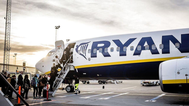 Arkivfoto: Ryanair bad om 56.000 kroner af en gruppe passagerer, der ville hjem fra Bruxelles efter terrorangrebet tirsdag (Foto: Thomas Lekfeldt/Scanpix 2015)