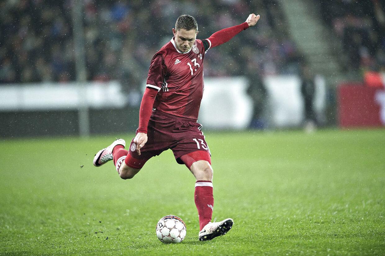 Kantspilleren Henrik Dalsgaard ligner en sikker starter for Danmark i kampen mod Skotland.