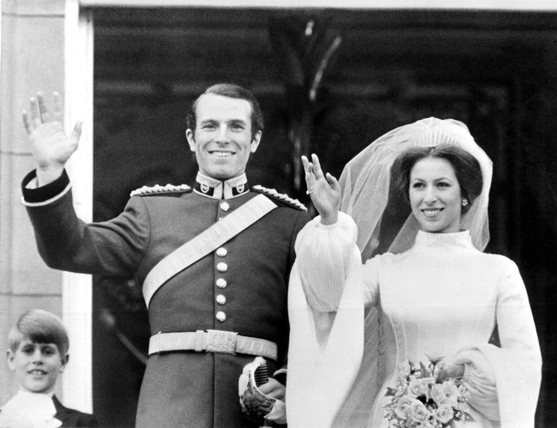 Selv om prinsesse Anne ikke selv synes, at hun er nogen skønhed, så var hun nu alligevel ganske pæn i sine yngre dage. Her ses hun ved brylluppet med Mark Phillips.
