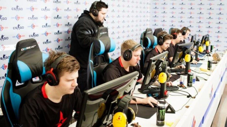 Det professionelle Counter-Strike: Global Offensive-hold Astralis til Game Show Global eSports Cup Finals 2016. Astralis kom på 3. pladsen og fik dermed en præmiesum på 30.000 dollars.Foto: HLTV.org