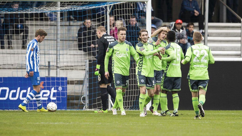 OB fejrer Anders K. Jacobsens mål til 1-0. Siden øgee Ari Skulason til slutresultatet 2-0 over Esbjerg