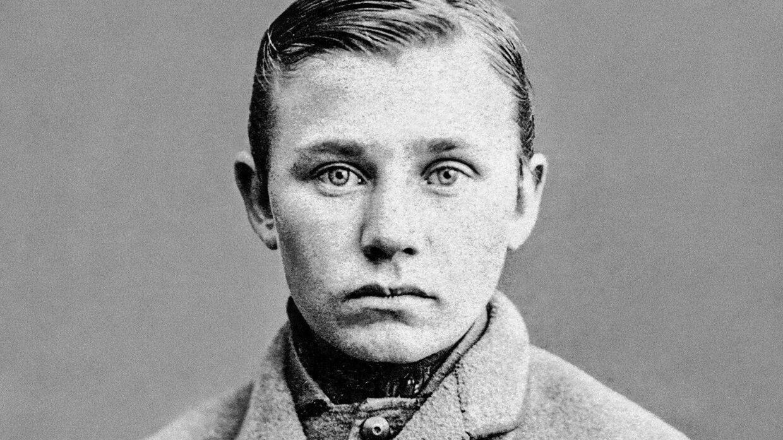 Odense Politis forbryderfoto af Jens Nielsen, som på dette tidspunkt kun var en ung knøs. Foto: Rigsarkivet/'Ondskabens øjne'