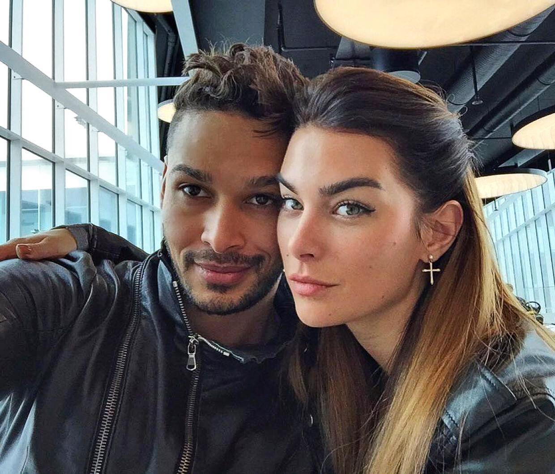 Janni Spies' svigersøn, Thiago Macedo, er en yderst veltrænet model og skuespiller med en sixpack han gerne viser frem på sin facebook-profil.