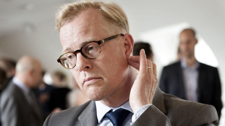 Aftalen rummer et indgreb over for dobbeltaflønning, som da tidligere forsvarsminister Carl Holst (på billedet) både modtog ministerløn samt eftervederlag fra sin tid som regionsrådsformand.