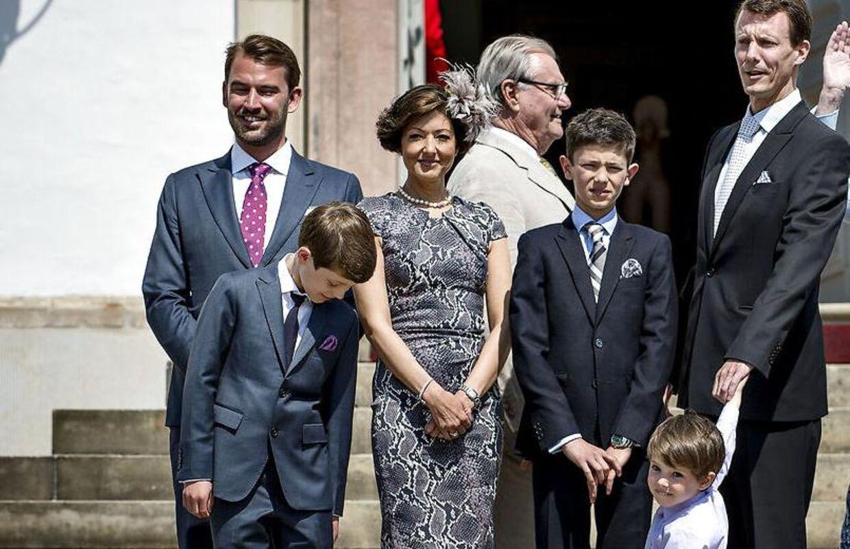 Martin Jørgensen (tv.) var med på familiefotoet, da prins Nikolai blev konfirmeret for tre år siden. Nu har han ikke længere kontakt til de to prinser.