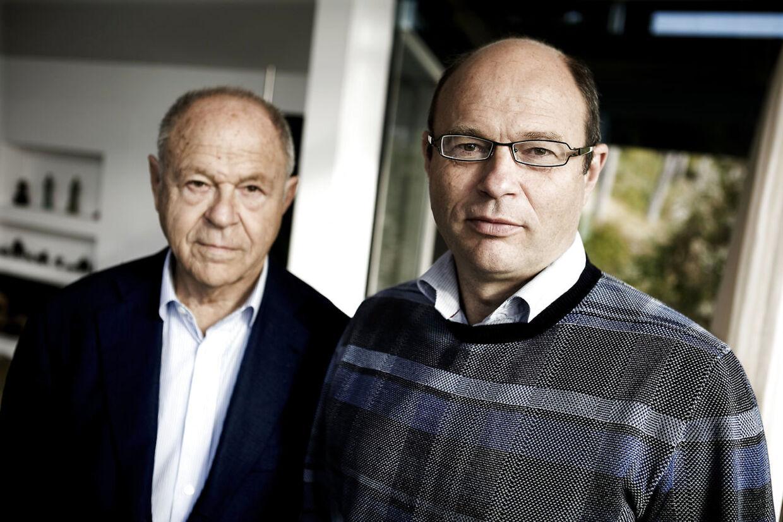 Niels Foss ses her med sin søn, Peter. De er en af Danmarks rigeste familier og har nu købt Løndal.