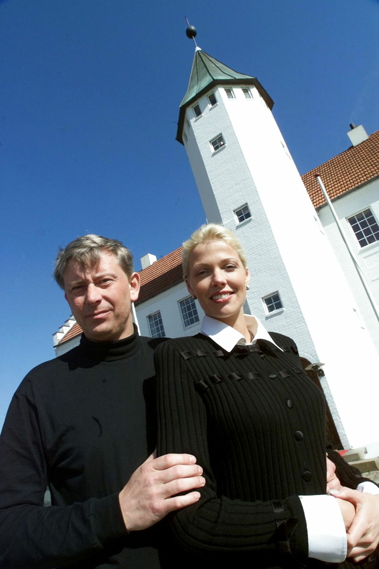 Godsejer Jens Dinesen ses her i år 2000 med sin nye hollandske kæreste, Stephanie Halenbek.