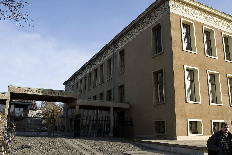 Øregård Gymnasium blev grundlagt i 1903 af V. Plockross under navnet Plockross' Skole.