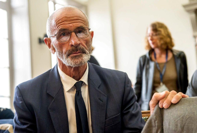Michel Lafon, som var far til babyen Adelaide, mødte også op i retten mandag, da sagen mod hans kæreste begyndte.