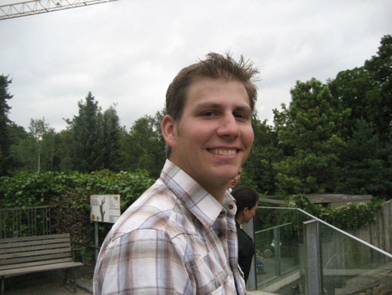 Magnus var både glad og nyforelsket, da dette foto blev taget i juli 2007. (Foto: privat)