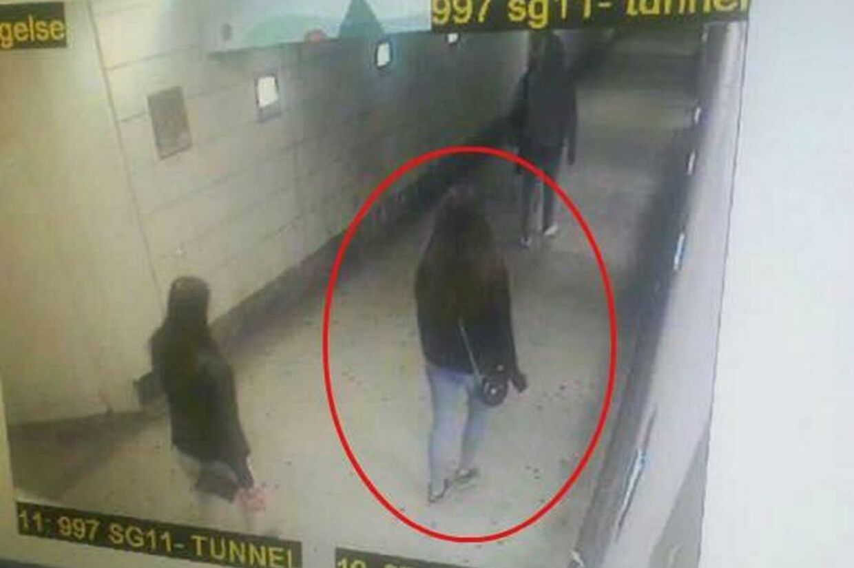 Overvågningsbillede fra Slagelse Station, der viser 17-årige Emilie.