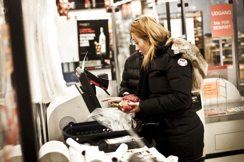 Salling Selskaberne ejer nu mere end 80 procent af aktierne i Dansk Supermarked. Det vil dog ikke få konsekvenser for forbrugerne, fortæller Bruno Christensen, ekspert i detailhandel.