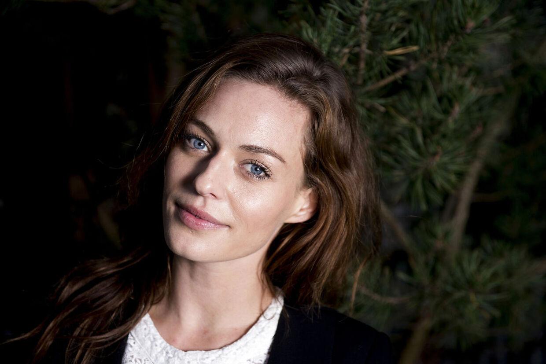 Smukke Sarah Grünewald skal giftes med kæresten Rasmus Backhaus.
