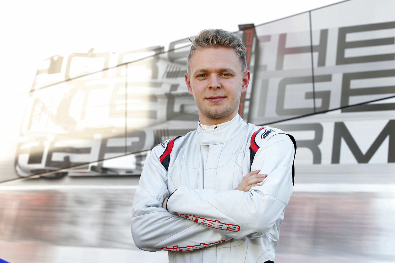 Kevin Magnussen i Porsche-gear.