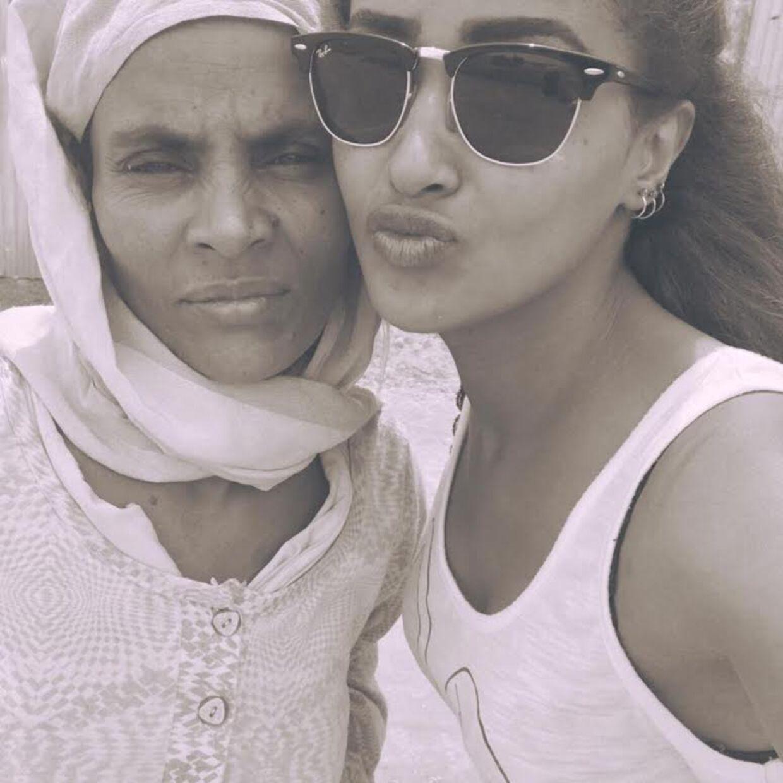 Amy sammen med sin etiopiske mor Genet