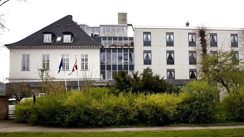 Et voldsomt drama udspillede sig på Hellerup Park Hotel sent onsdag aften, hvor et beruset par røg i totterne på hinanden.