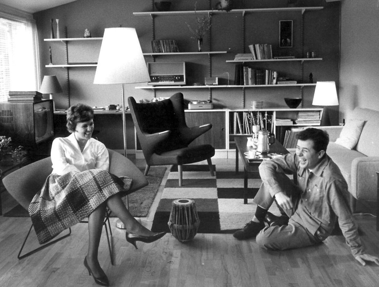 Jørgen og Grethe Ingman ses her i deres nye parcelhus.
